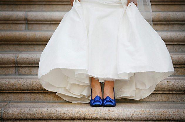 boda con un toque azul - zapatos de novia azul
