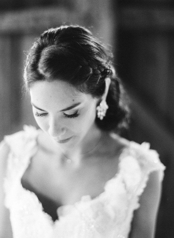 a517a1564364 Qué tipo de aretes para novia te favorecen más
